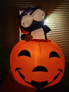 Totally-Ghoul-Airblown-Inflatable-Cat-amp-Pumpkin-8-Feet-With-Lights-Tested-Works