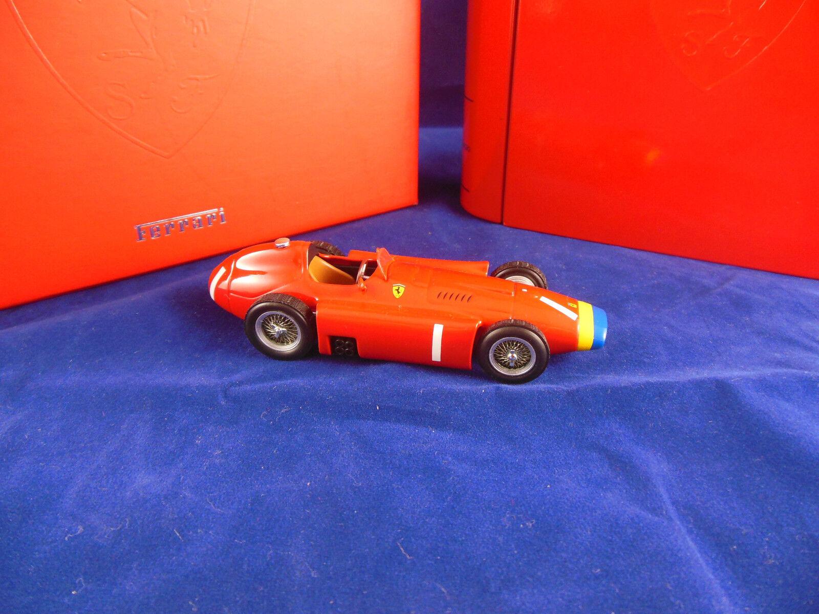 Molto RARA Hotwheels Mattel SF01/56 FERRARI D60 1956 J M FANGIO scala 1:43