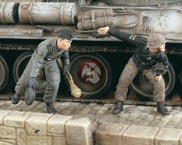 Verlinden 1 35 Panzerjager German Waffen-SS Anti-Tank Anti-Tank Anti-Tank Troops WWII (2 Figs.) 2429 d5fd3e