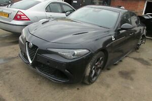 2017-ALFA-ROMEO-GIULIA-Quadrifoglio-2-9-essence-V6-Breaking-Veritable-Boulon-de-roue