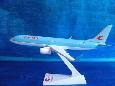 1/200 Neos Boeing B737-800 BBJ Airplane Desktop Display Model