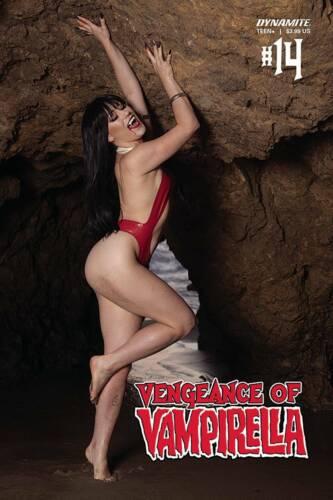 VENGEANCE OF VAMPIRELLA #14 HOLLON COSPLAY VARIANT NM HORROR VAMPIRE GOTH DEMONS