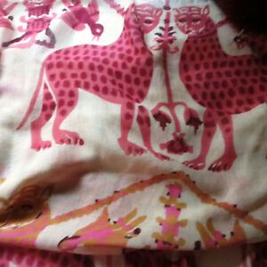 Animal-print-tiger-leopard-silk-cashmere-stole-shawl-15mm-red-fox-fur-pompoms