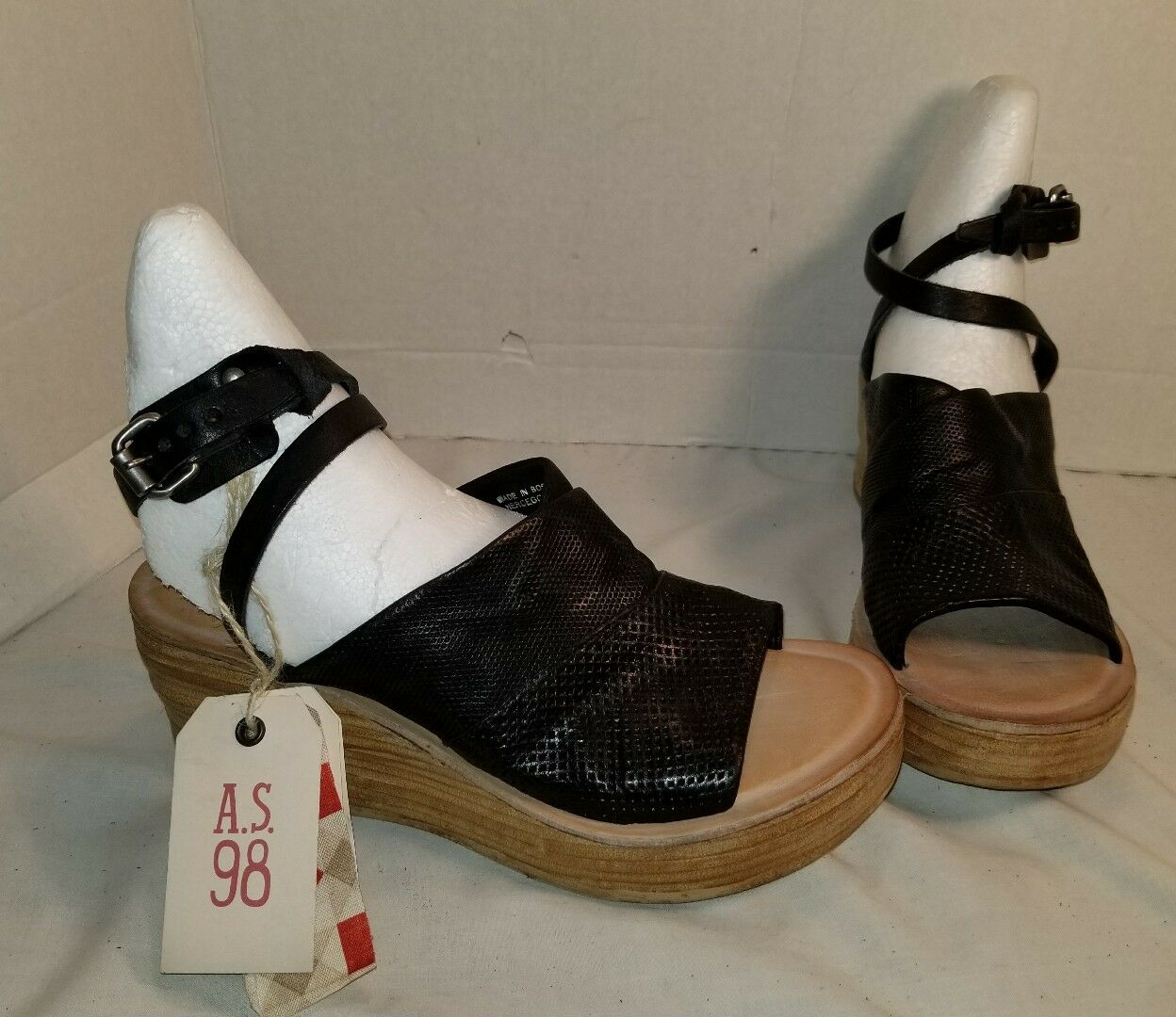 NEW AS 98 NIALL BLACK LEATHER PLATFORM WEDGE SANDALS US 10 EUR 40