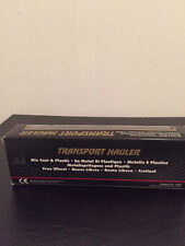 AMERICAN AIRLINES TRANSPORT HAULER BY MAISTO (NEW IN BOX)