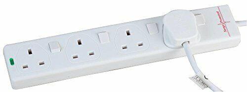 Pro Elec PL15331pl 3 M Switched Surge Protected Extension Lead-Blanc