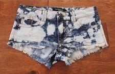 Harmony & Havoc acid washed frayed juniors shorty shorts / sz 5