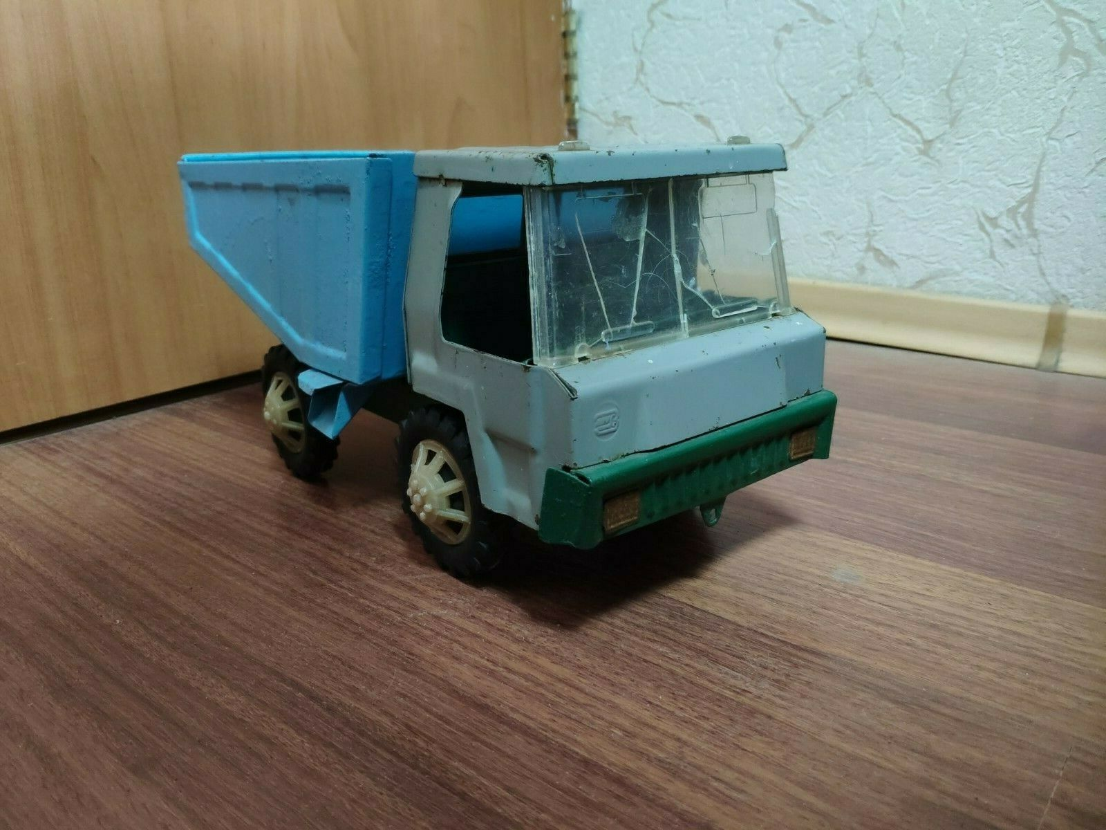 VINTAGE VINTAGE RARE RUSSIAN USSR TIN TOY truck Metal Toy
