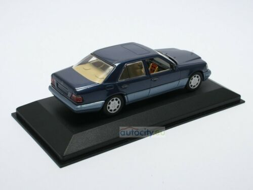Minichamps Mercedes-Benz Classe E Berline Nautic Blue Metallic 430033501