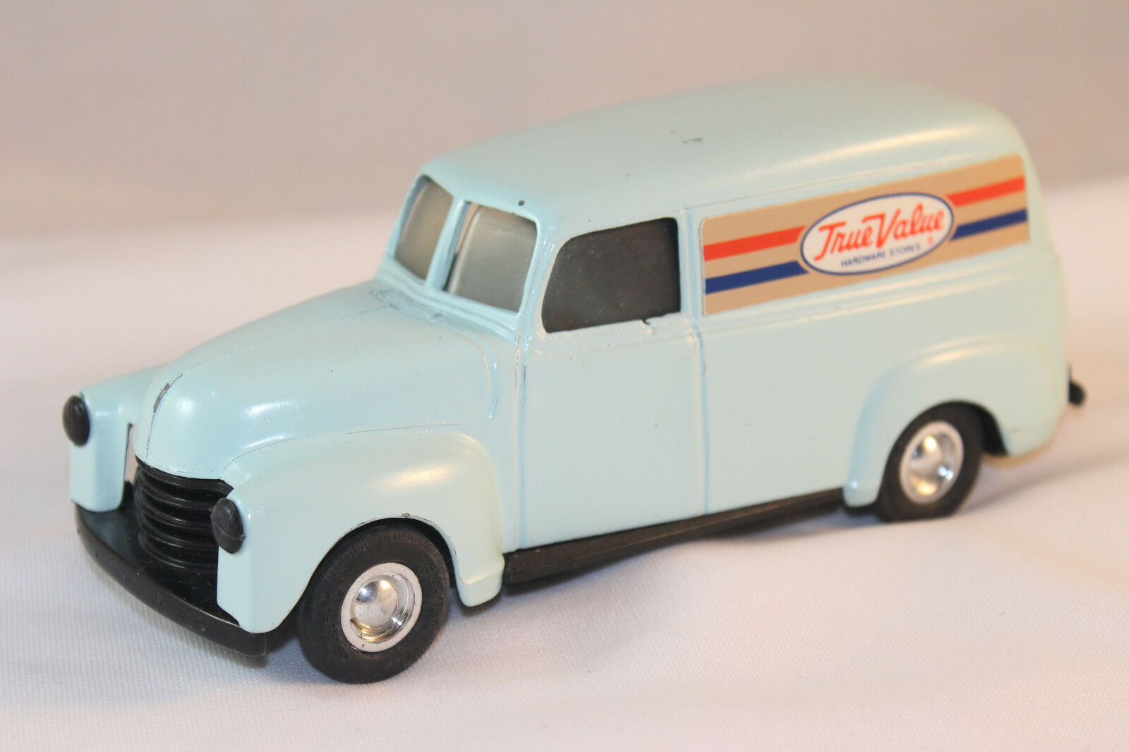 Ertl Tru-Value 1948 Chevrolet Test Shot Van