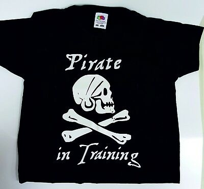 """Boys Black Slogan T-Shirt printed with /""""Pirate In Training/"""" 4 Sizes"""