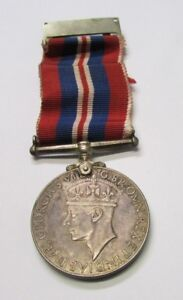 SILVER !!!! World War II  Canadian 1939-1945  Service Medal