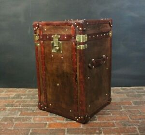 Finest-English-Bespoke-Leather-Night-Stand-Trunk