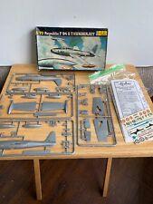 Italeri 1//72 SF-84G Thunderjet Model Kit 1321