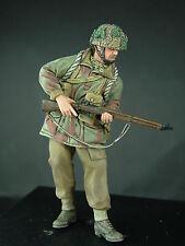 1/35th WWII British Para Standing (Lee Enfield) Wee Friends WF35023 unpainted