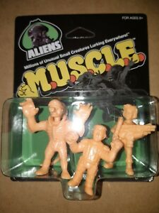 RARE-ALIENS-M-U-S-C-L-E-MUSCLE-SUPER-7-FIGURES-2017-3-PACK-BRAND-NEW