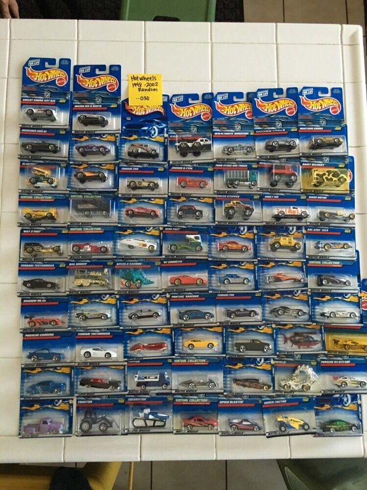 Hot Wheels 1998-2002 Random No Doubles Lot Of 65 Cars -- 030