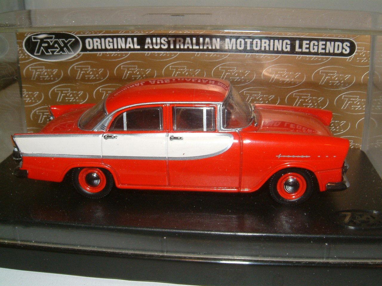 1 43 TRAX 1960 HOLDEN FB SPECIAL SEDAN IN rot Weiß, AUSTRALIA TG