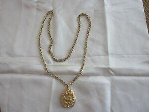 Vintage Gold Toned Pendant Locket Oval Used