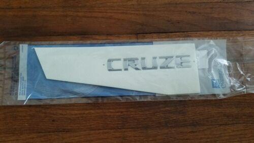 2011-2015 CRUZE TRUNK CHROME CRUZE EMBLEM NAMEPLATE NEW GM #  95989983