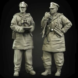 1-35-Resin-WWII-German-Officers-2-Figures-Winter-Unpainted-Unassembled-CK020