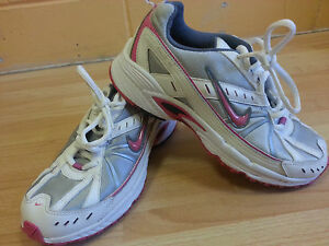 4d0b7eab607 Girls Nike DART 6 Size 4 running trainers VGC Chk PICS BARGAIN!! Qwk ...