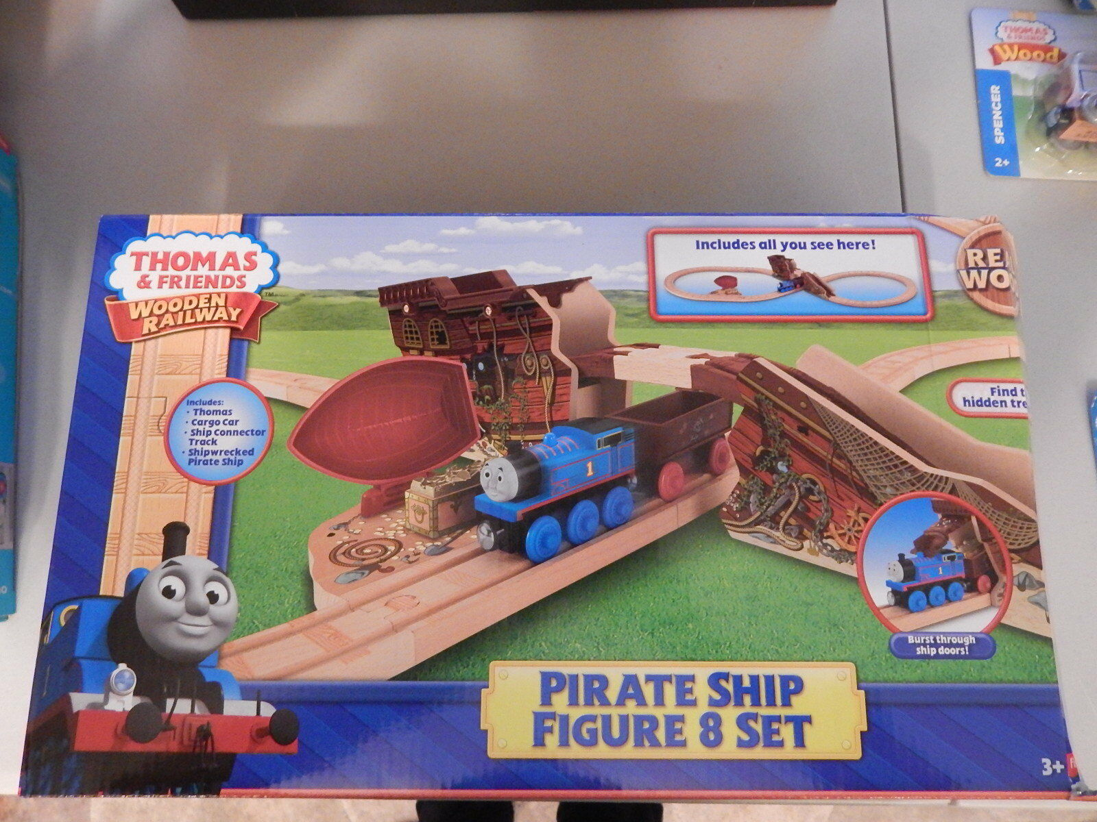 Fisher Price Thomas Friends Wooden Railway Pirate Ship Figure 8 Set Damged Box