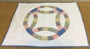 Patchwork-Quilt-Wall-Hanging-Wedding-Ring-Floral-Calico-Prints-Hand-Quilted