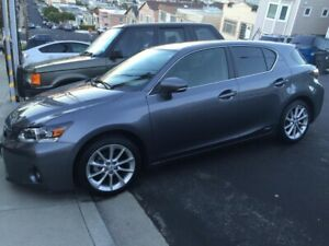 2013 Lexus CT200h Hybrid!! All options !! Second owner !