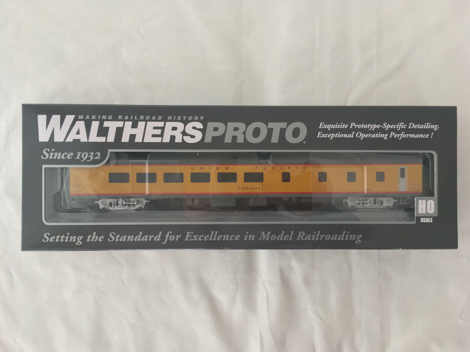 WalthersProssoo  85' ACF 48sede Diner  UP Heritage  Overle  UPP 302