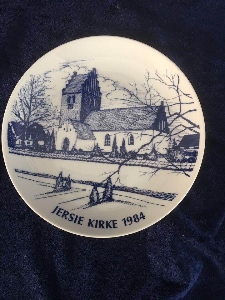 JERSIE KIRKE, KARLSLUNDE KERAMIK, 1984