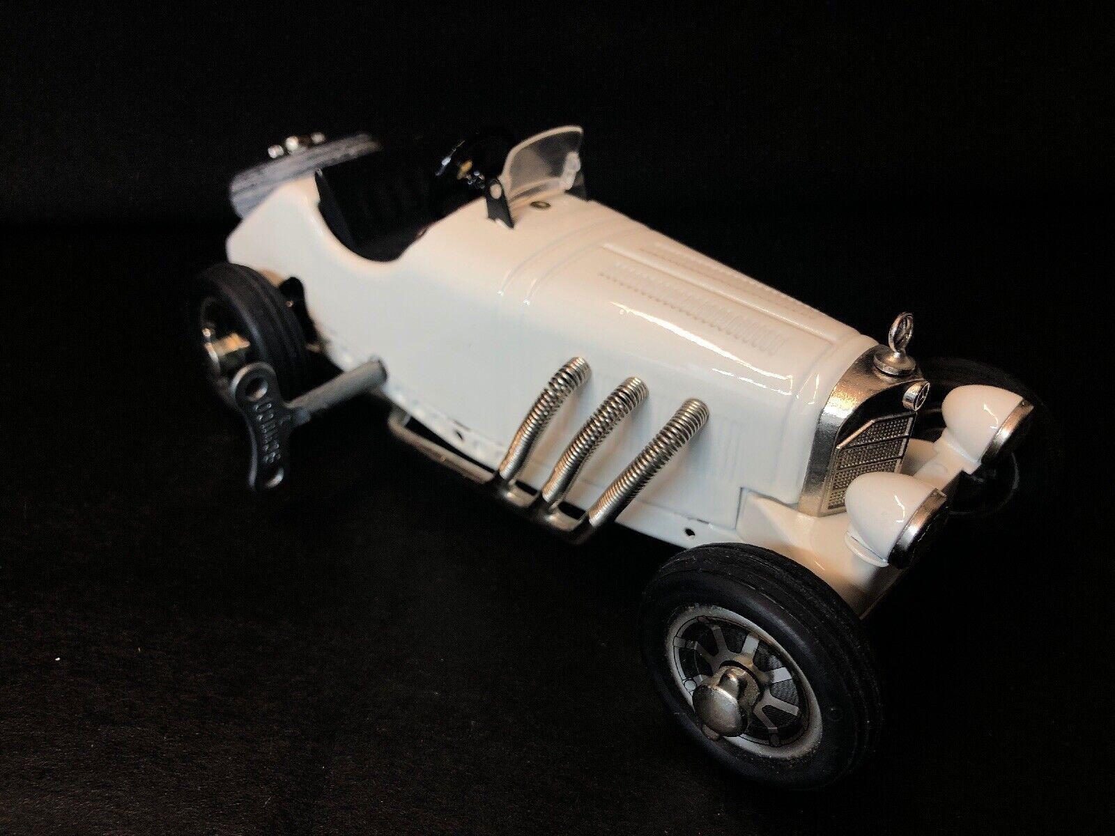 Schuco Ssk L  Studio v Mercedes-Benz made in Gerhommey blanc Wind Up with Key  commander maintenant les prix les plus bas