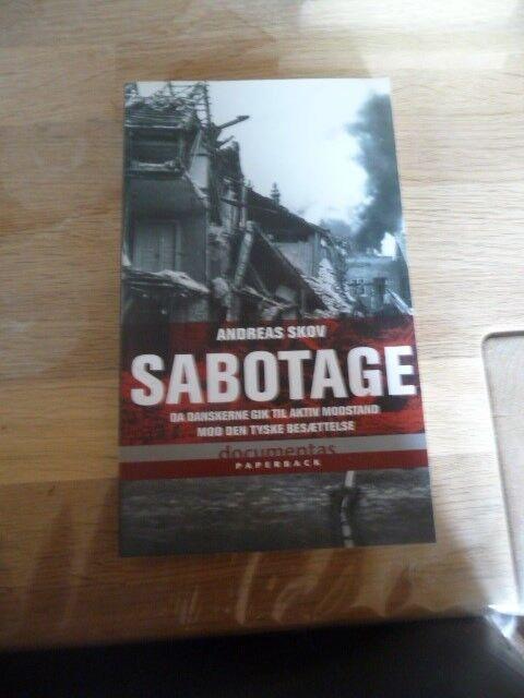 Sabotage, Andreas Skov, emne: historie og samfund
