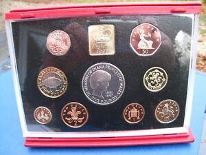Elizabeth II Deluxe Proof set 1999 in Red case of Issue.