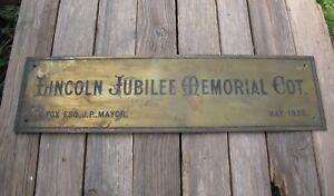 Alerte Old Reclaimed Brass Lincoln Jubilee Memorial Cottage Sign / Plaque 1935
