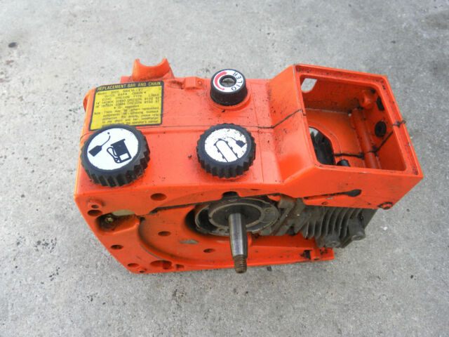 Echo Chainsaw Engine and Tank Housing Assembly Fits CS302S