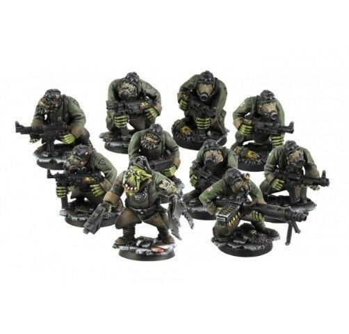 Kromlech BNIB Orc Greatcoats Squad (10)