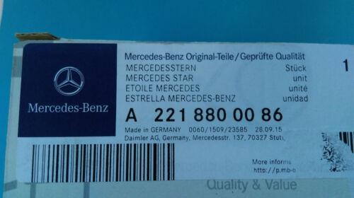 Genuine Mercedes-Benz W204 W211 W212 Bonnet Badge Star A2218800086