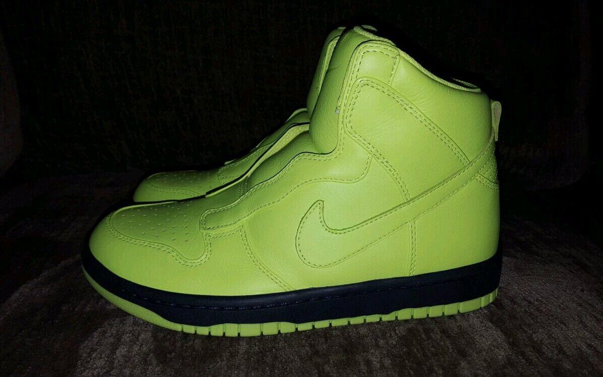Nike Dunk Lux SP Sacai Women Size 7.5  StyleColor Volt MSRP $200