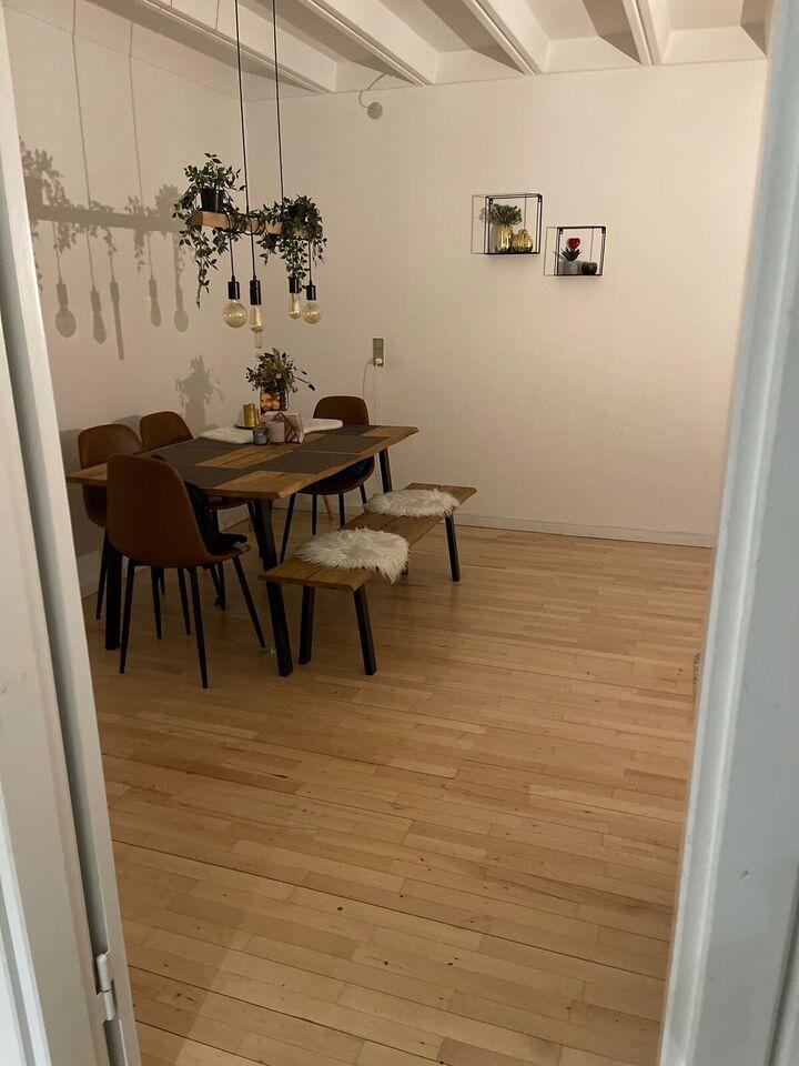 2610 3 vær. lejlighed, 80 m2, 6500 i depositum