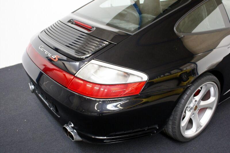 Porsche 911 Carrera 4S Coupé - 13