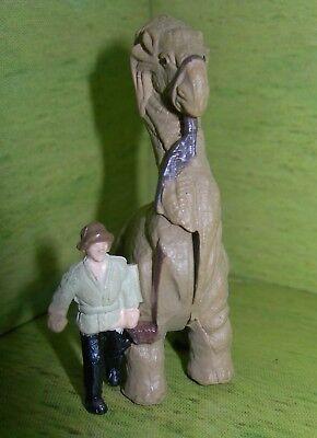 Star Wars Micro Machines GREEDO Bounty Hunter Sitting Figure Tatooine Cantina