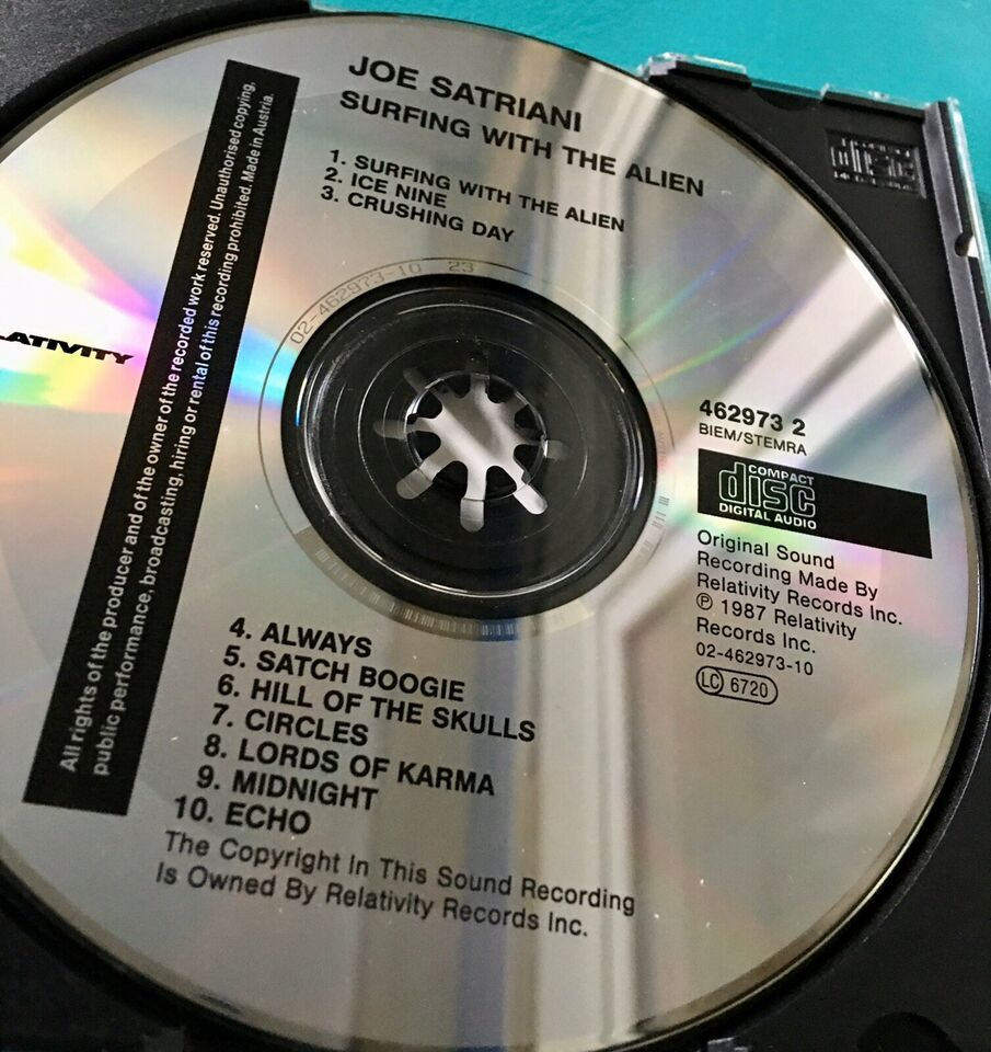 Joe Satriani: Surfing With The Alien, rock