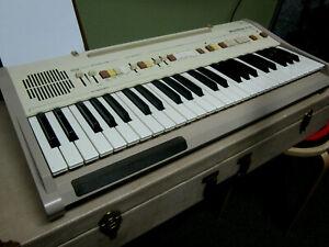 Vintage-Wurlitzer-P100-Tote-a-Tune-w-case