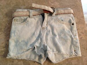 GIRLS-ADJUSTABLE-WAIST-CHEROKEE-JEAN-SHORTS-WITH-BELT-SIZE-SMALL-6-6X-FAST-SHIP