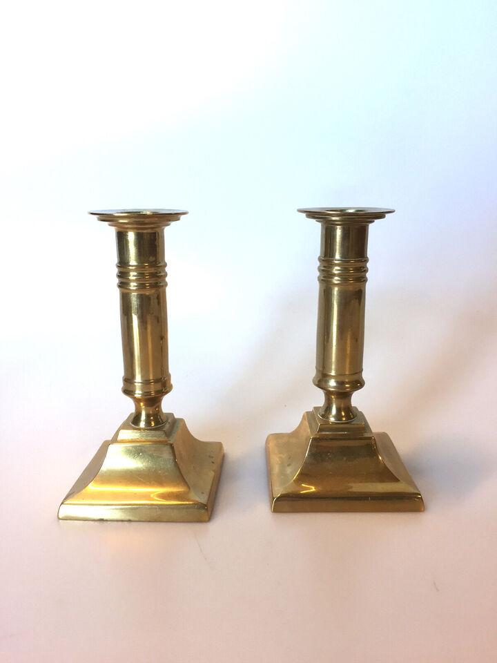 Et par engelske antikke lysestager