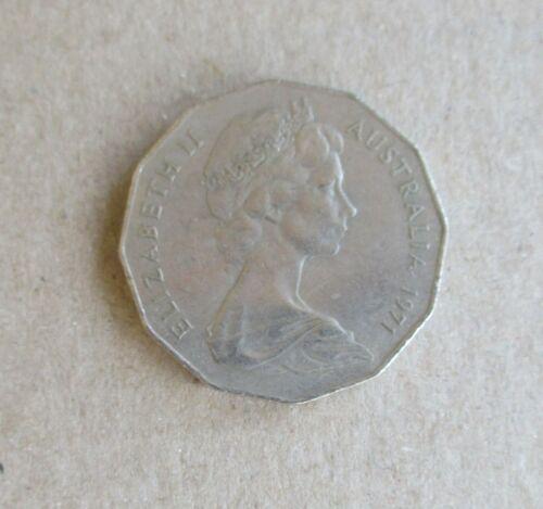 AUSTRALIAN DECIMAL....1971...50 CENT COIN....COAT OF ARMS