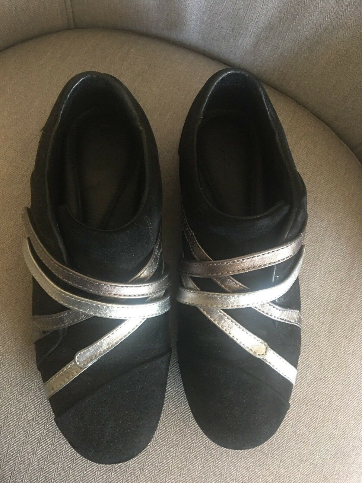 Lacoste Black Suede With Silver Strip Sneaker shoes US US US 6 M 0ee5d1