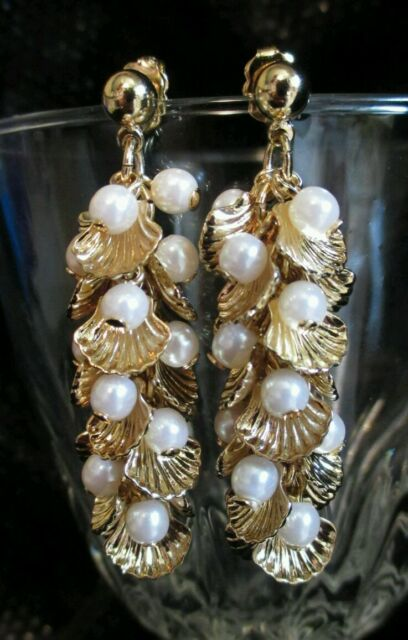 Vintage clam shell Pearl Earrings Dangle Pierced Jewelry Fashion Goldtone #beach