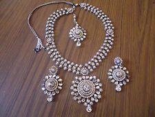 Latest Bollywood Indian Necklace Earrings Tikka matha Jewellery Set Gold tone